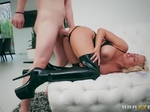 luna star gets her rear hole porked doggystyle
