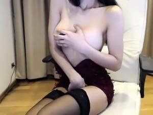 babe jasmynkicks flashing boobs on live webcam