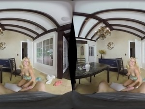 Laura Bentley spreads her legs to seduce a fellow for a sex session