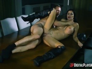 Dick craving brunette Jasmine Jae spreads her legs for a fuck