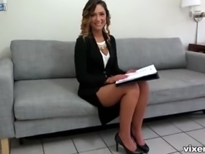 Attractive natural real estate dealer Jaye Summers gets poked missionary