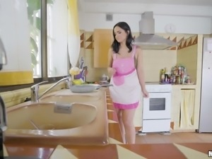 Claudia fucking in the kitchen and getting her face creamed