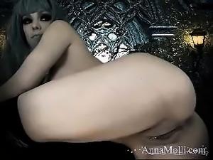 Huge boobs babe masturbate