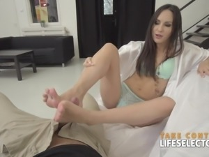 Lilu Moon is the brunette babe you have been looking for, she loves long...