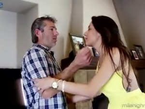 Extremely bored hottie Gigi Loren is happy to see her neighbor and suck his dick