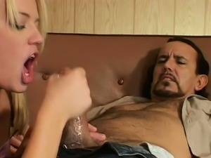 Dilettante whore gets her shaved pussy licked and fucked