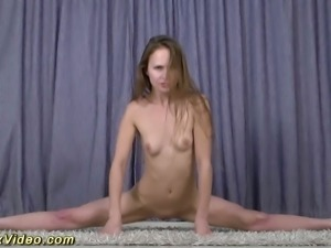 This slut is super flexible and I'll be she can be fucked in crazy positions
