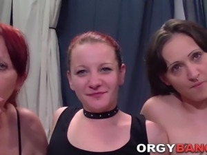 Group banged amateur sucks