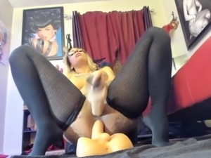 Ebony queen Hola fucking big ass and squirting like fountain