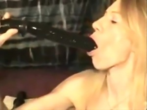 hot blonde masturbate with her toys