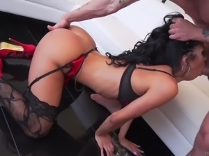 Www.sexpoz.com abby lee brazil nutz about butts 2