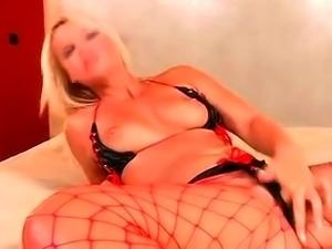 Curvy Blonde Amateur Gangbang